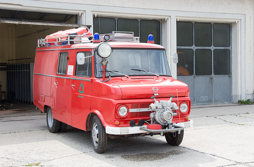 Feuerwehrauto Versteigerung für Noah aus München.