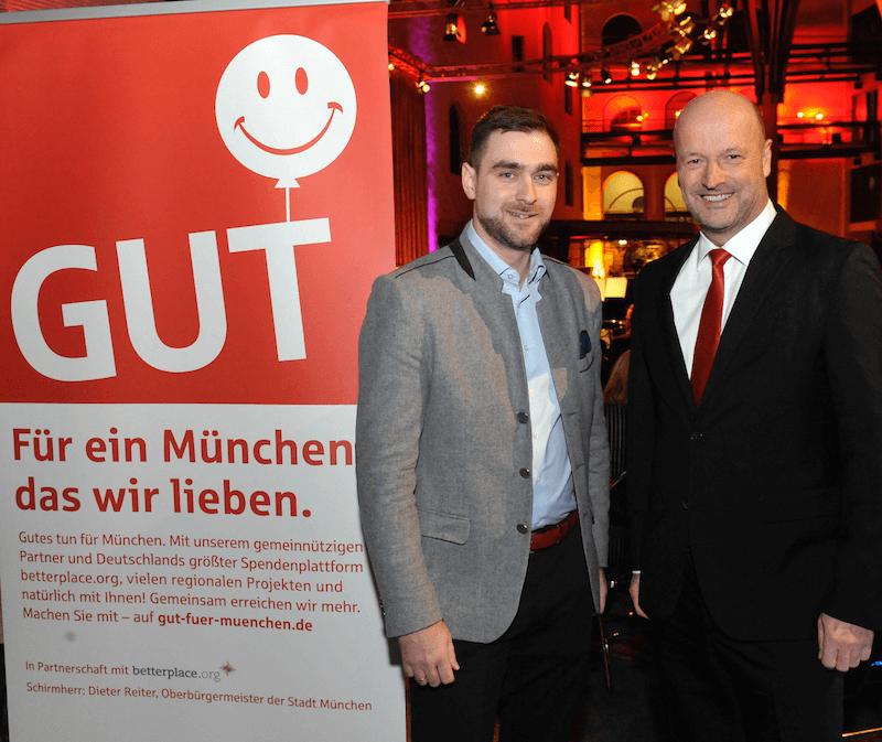 Spenden für die Stiftung AKB von der Stadtsparkasse München