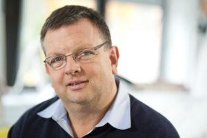 Vorstand der Stiftung AKB Dr. Hans Knabe ruft zum Geldspenden auf Foto Deutsche Fernsehlotterie
